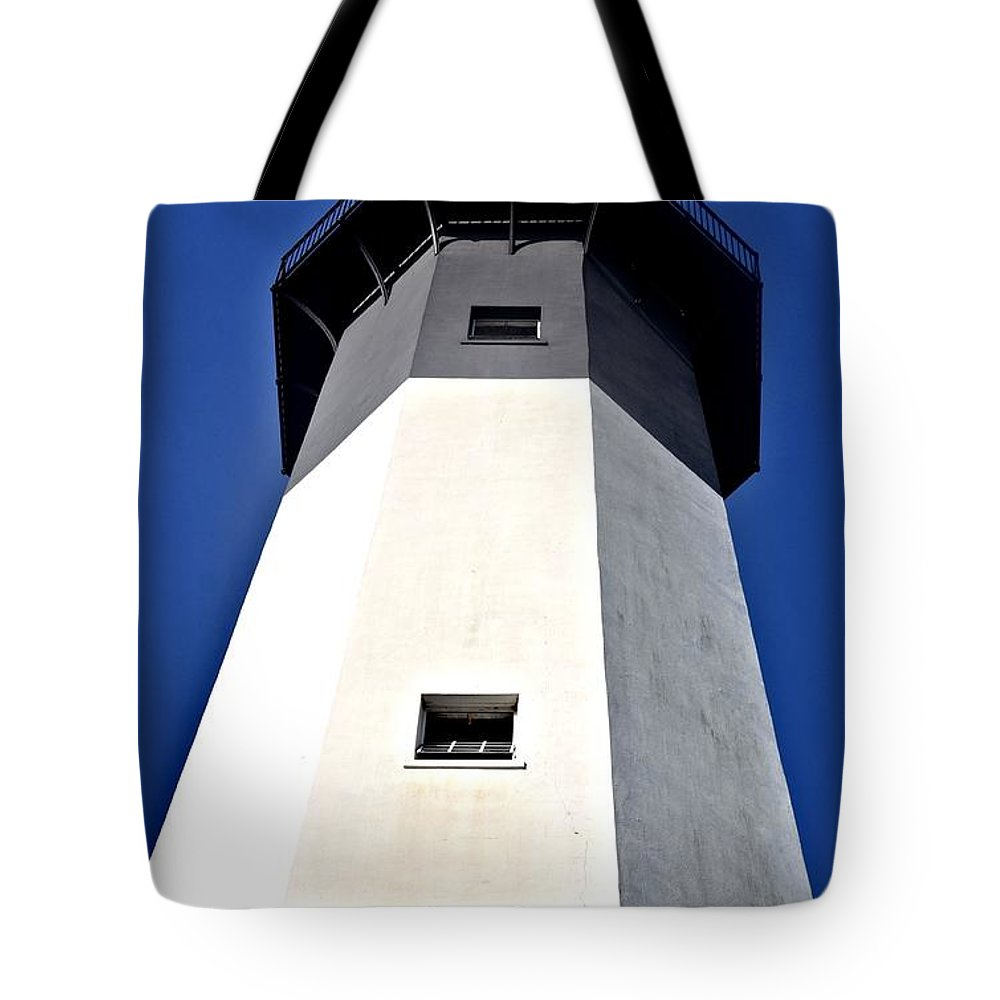 Tybee Island Lighthouse Tote Bag featuring the photograph Tybee Island Lighthouse by Tara Potts