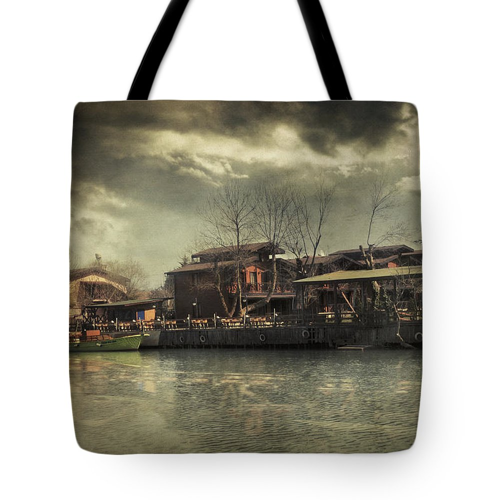 Istanbul Tote Bag featuring the photograph Une Belle Journee by Zapista