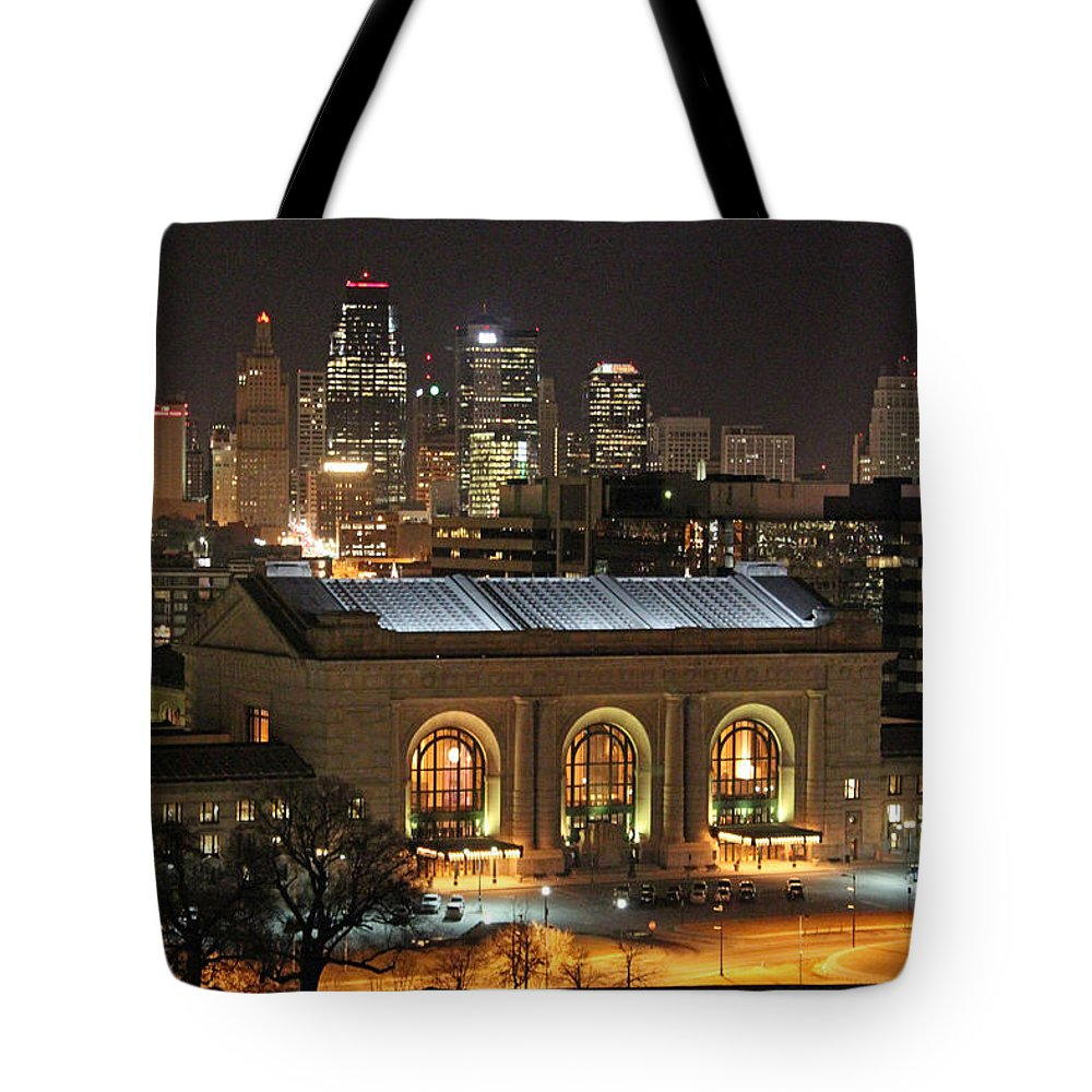 Union Station Tote Bag featuring the photograph Union Station At Night by Lynn Sprowl