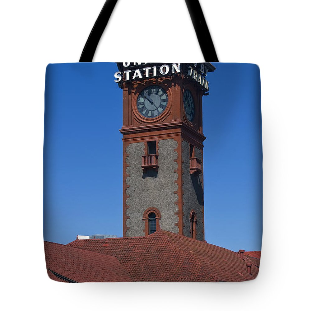 Train Tote Bag featuring the photograph Union Station In Portland Oregon by David Gn