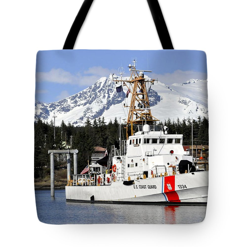 Cutter Tote Bag featuring the photograph United States Coast Guard Cutter Liberty by Cathy Mahnke