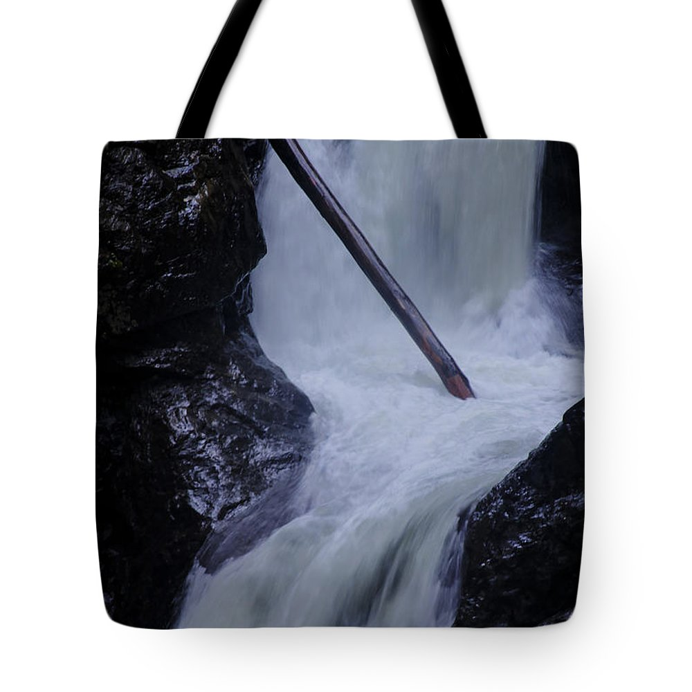 Landscape Tote Bag featuring the photograph Upper Twin Falls Close by Darleen Stry