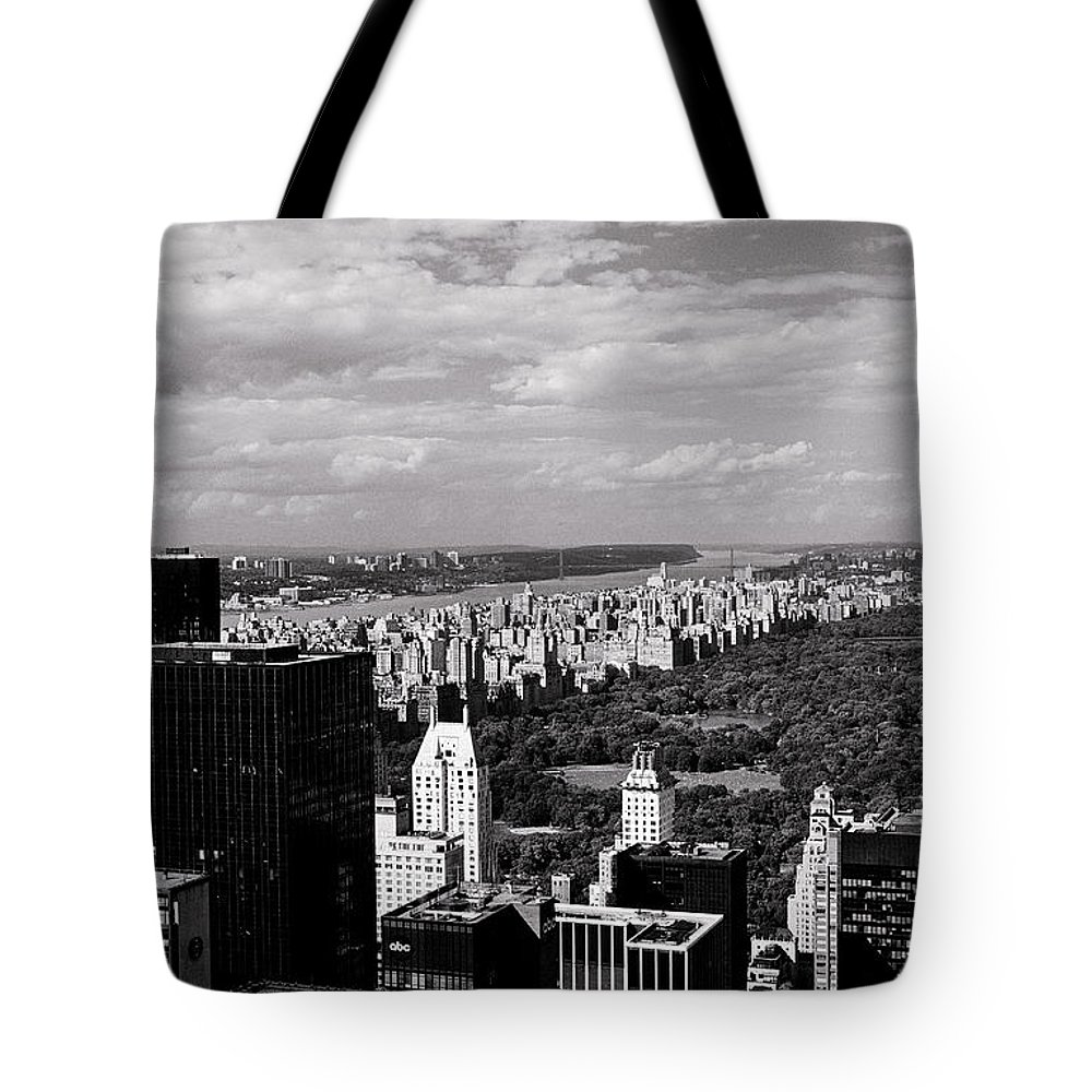 Cityscapes Tote Bag featuring the photograph Upper West Side by Earl Johnson