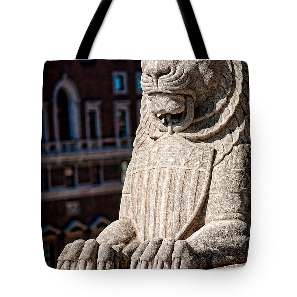 Lion Tote Bag featuring the photograph Urban King by Kristi Swift
