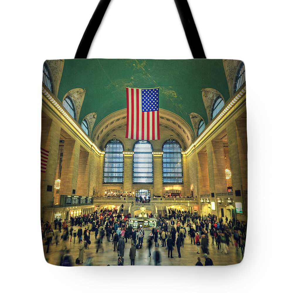 Grand Central Tote Bag featuring the photograph Urban Legend by Evelina Kremsdorf