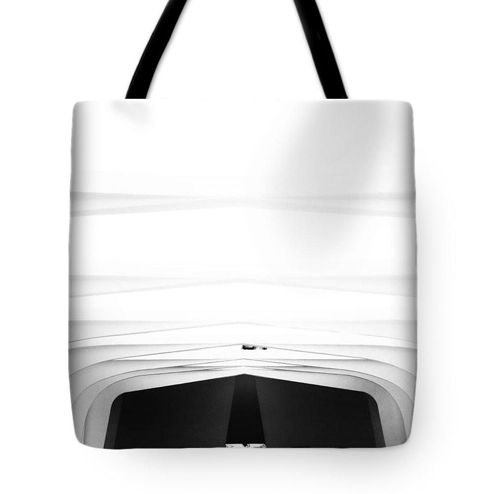 Uss Arizona Memorial Tote Bag featuring the photograph Uss Arizona Memorial-pearl Harbor Black And White by Douglas Barnard