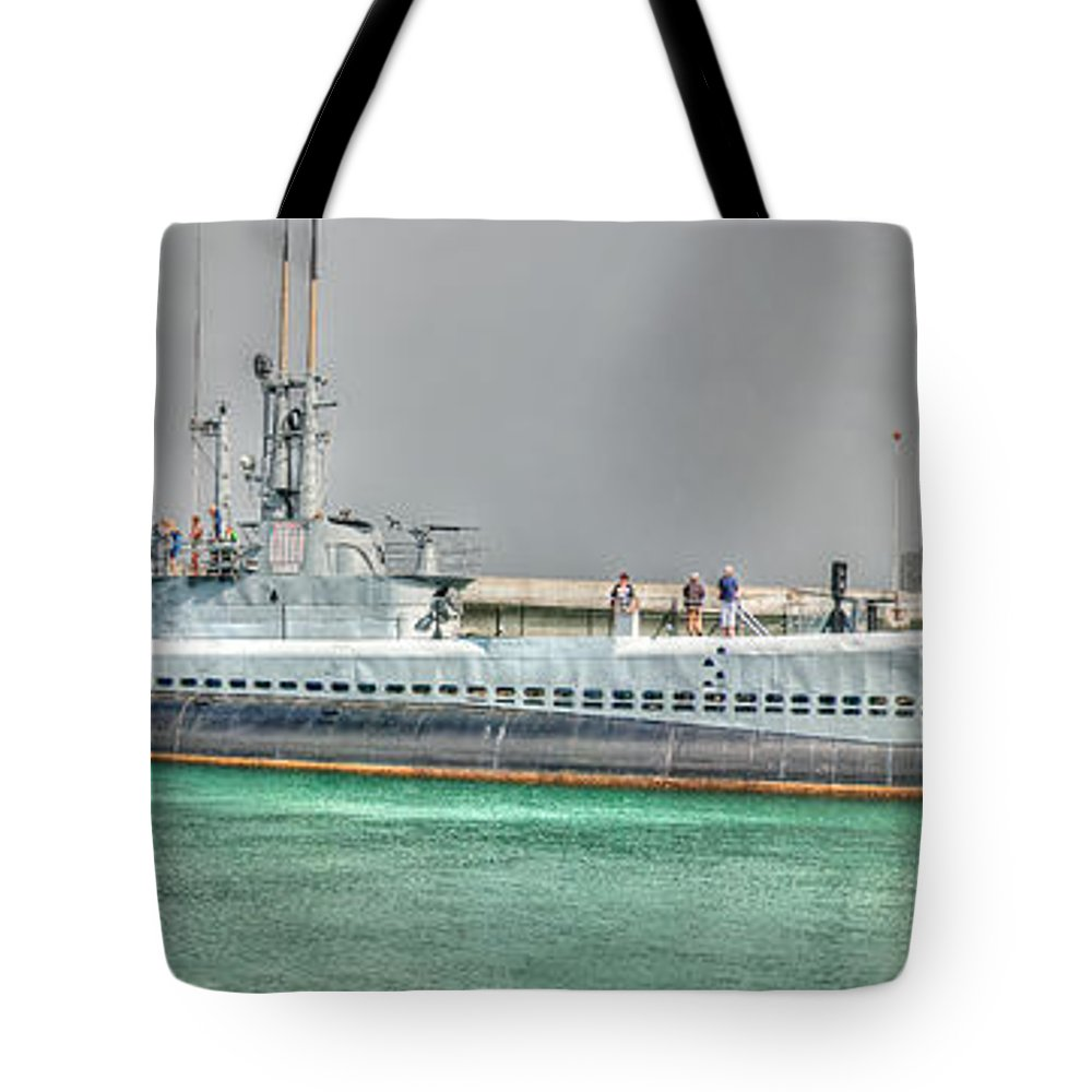 Uss Bowfin (ss-287) Tote Bag featuring the photograph Uss Bowfin Ss-287 2 by Richard J Cassato