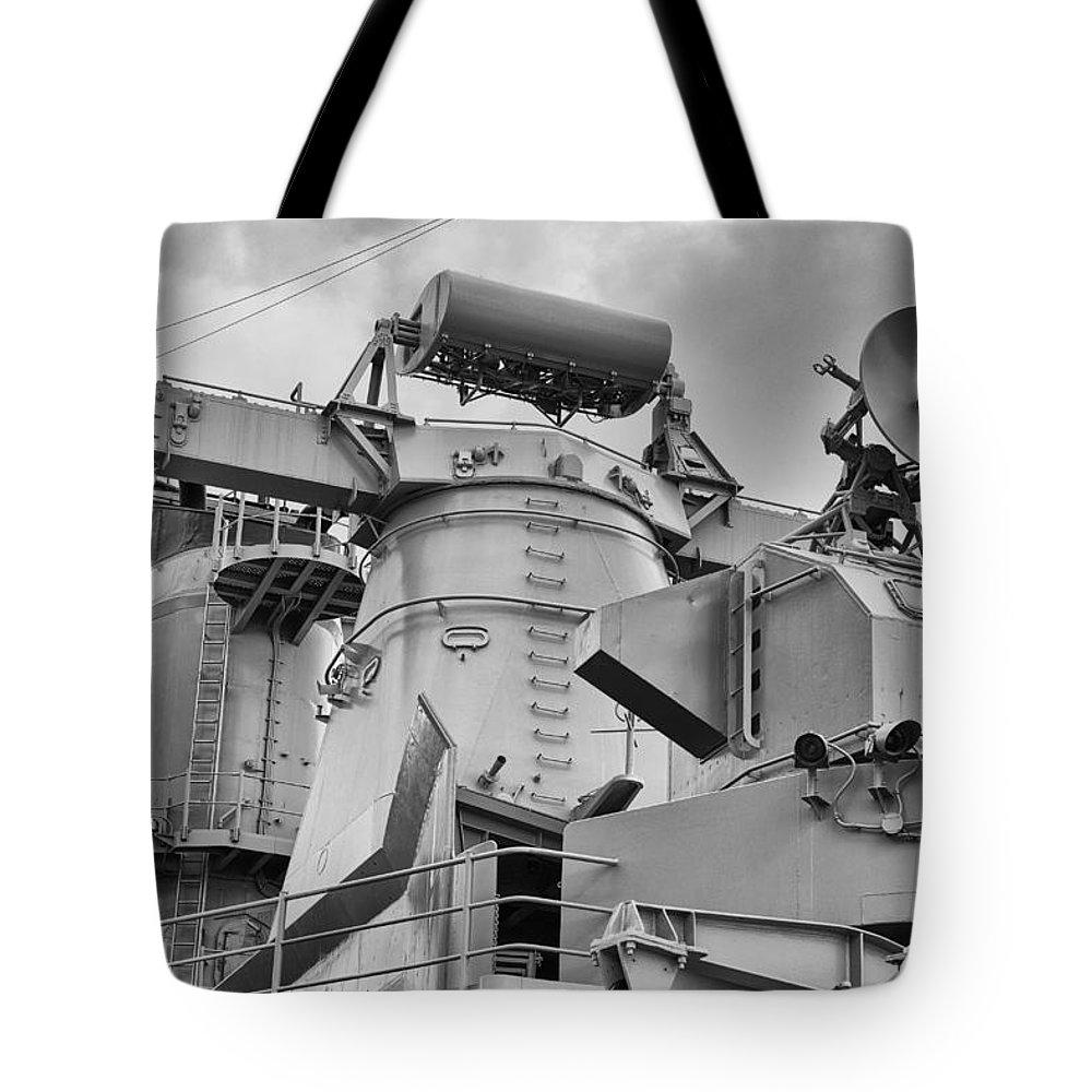Uss Arizona Memorial Tote Bag featuring the photograph Uss Missouri- Radar System by Douglas Barnard