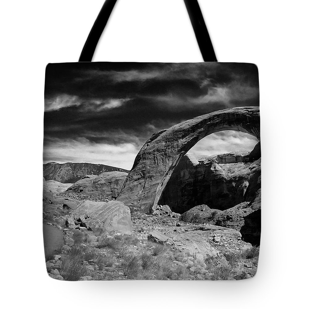 Adventure Tote Bag featuring the photograph Utah 001 by Ingrid Smith-Johnsen