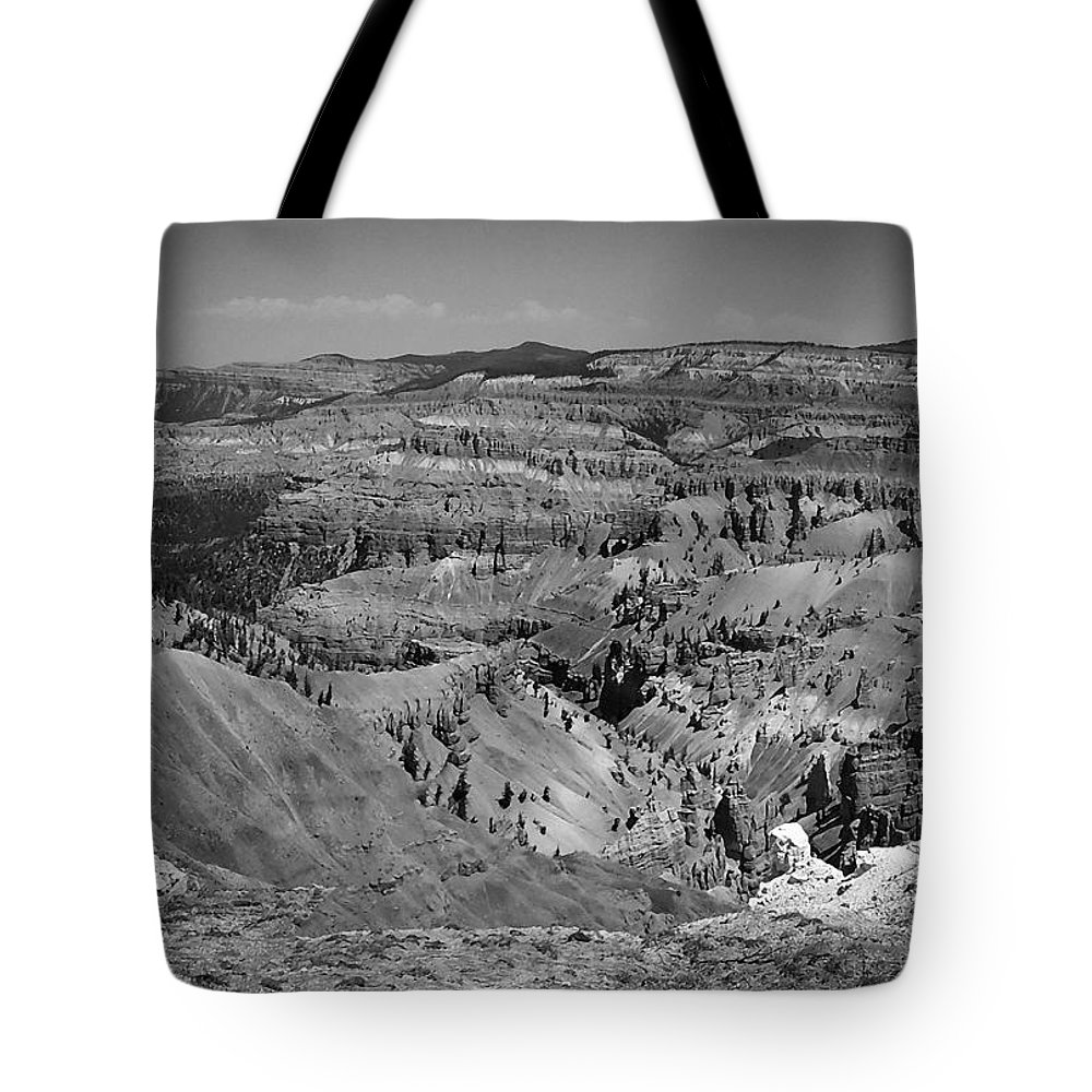 Atmosphere Tote Bag featuring the photograph Utah 002 by Ingrid Smith-Johnsen