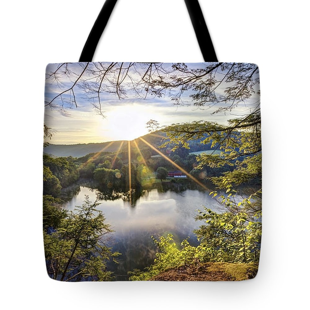 Sunrise Tote Bag featuring the photograph Valley Sunrise by Bill Wakeley