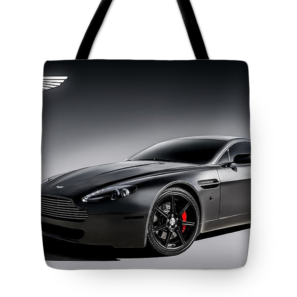 Martin Digital Art Tote Bags