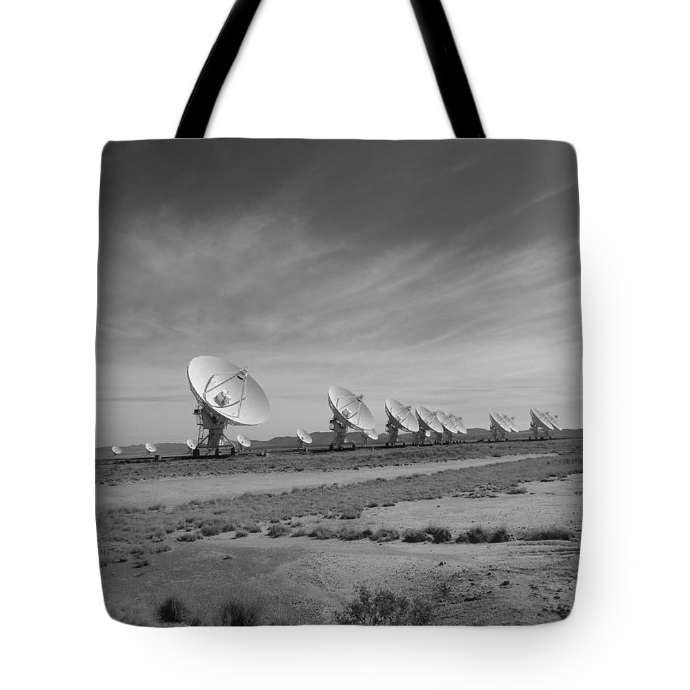 Very Large Array In Black And White Tote Bag featuring the photograph Very Large Array In Black And White by Dan Sproul