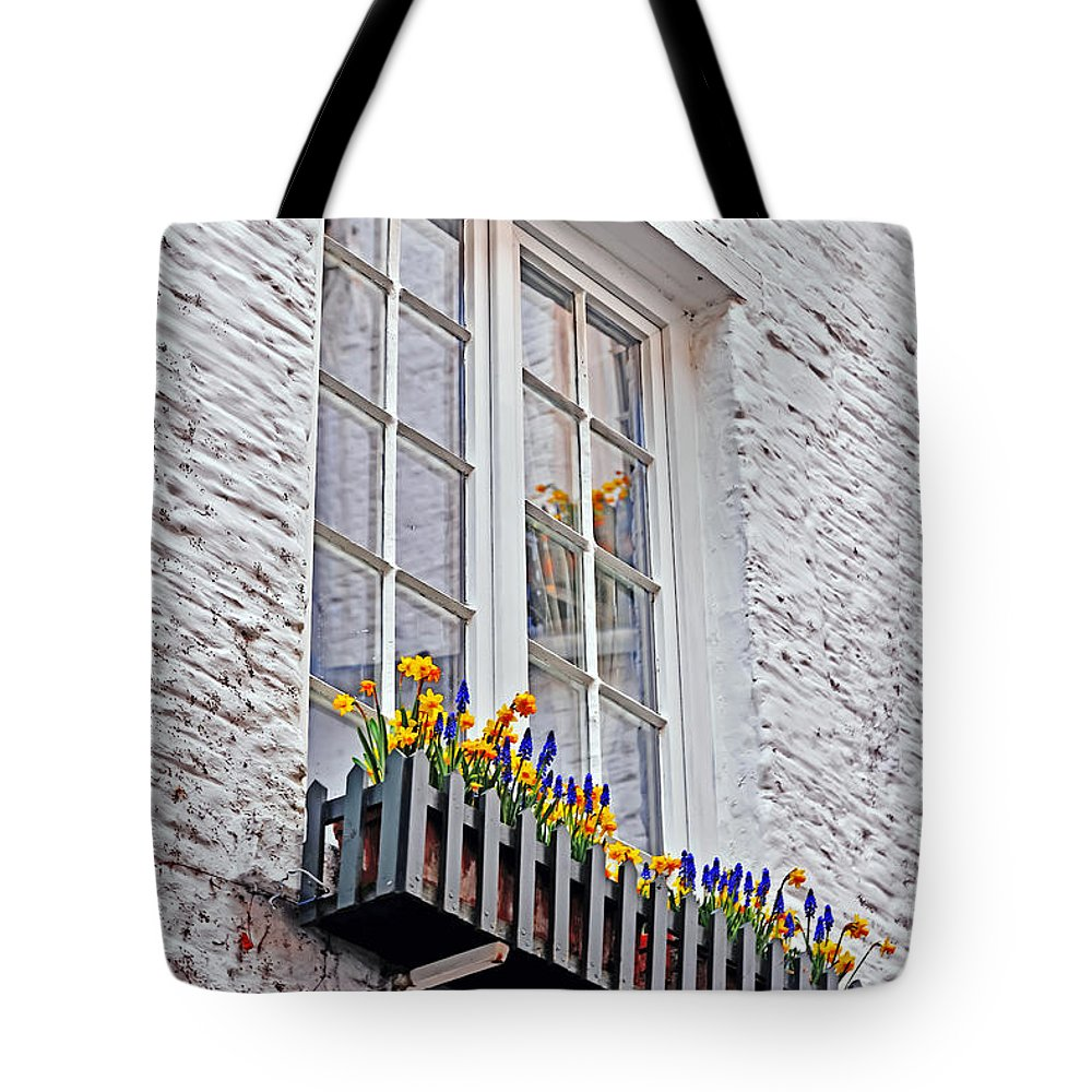 Travel Tote Bag featuring the photograph Viewing Antwerp by Elvis Vaughn