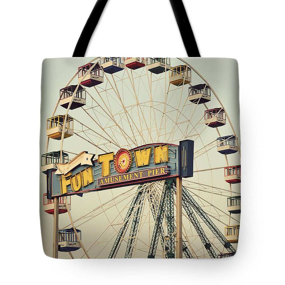 Vintage Tote Bag featuring the photograph Vintage Funtown Ferris Wheel by Terry DeLuco