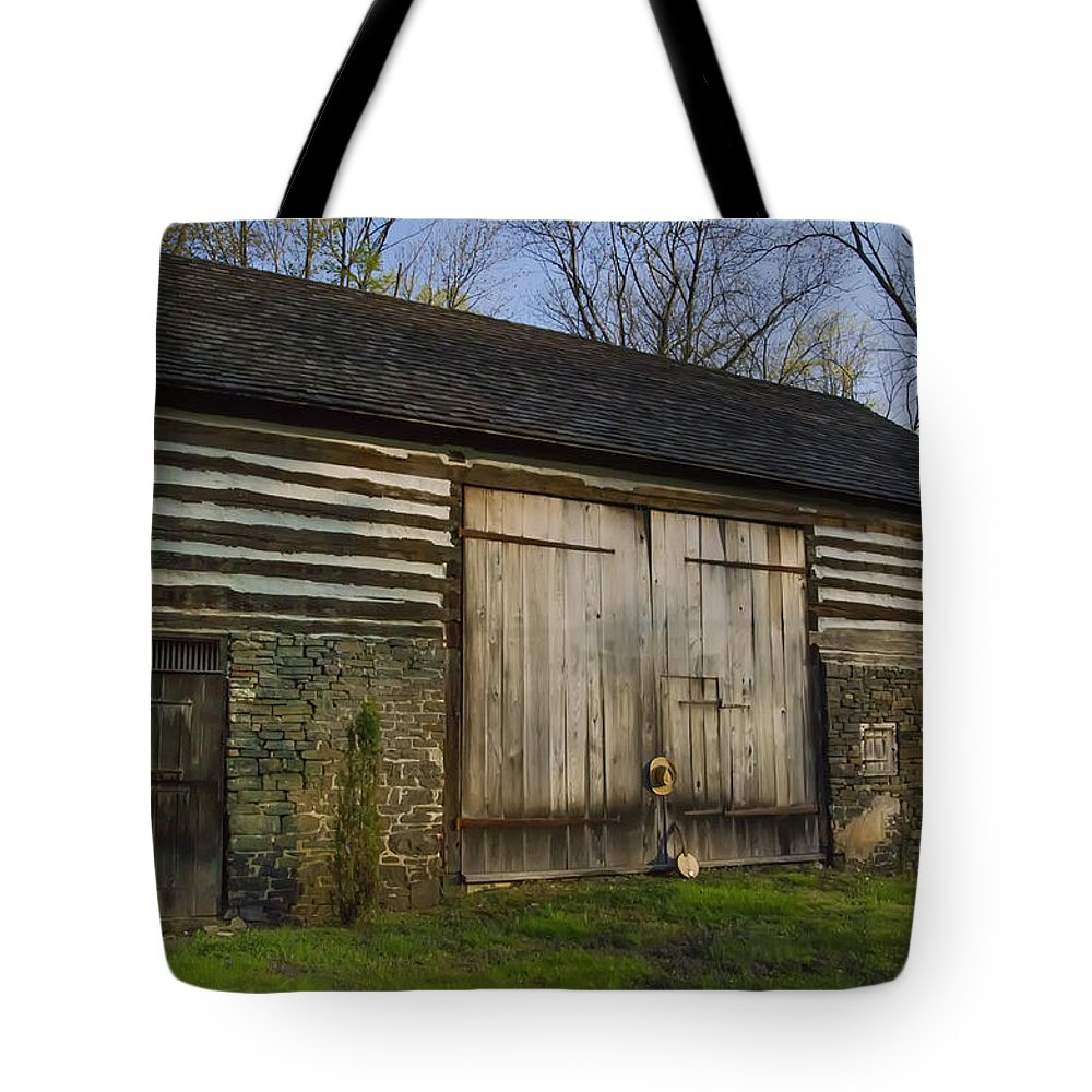 Vintage Tote Bag featuring the photograph Vintage Pennsylvania Barn by Bill Cannon