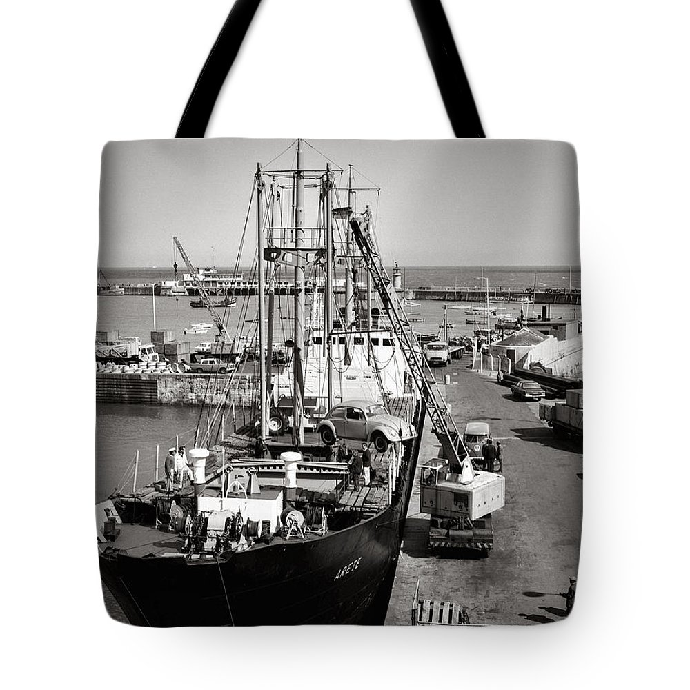 Hart Photography Tote Bag featuring the photograph Vw Beetle, Ramsgate - 1960's  Ref-506 by William R Hart