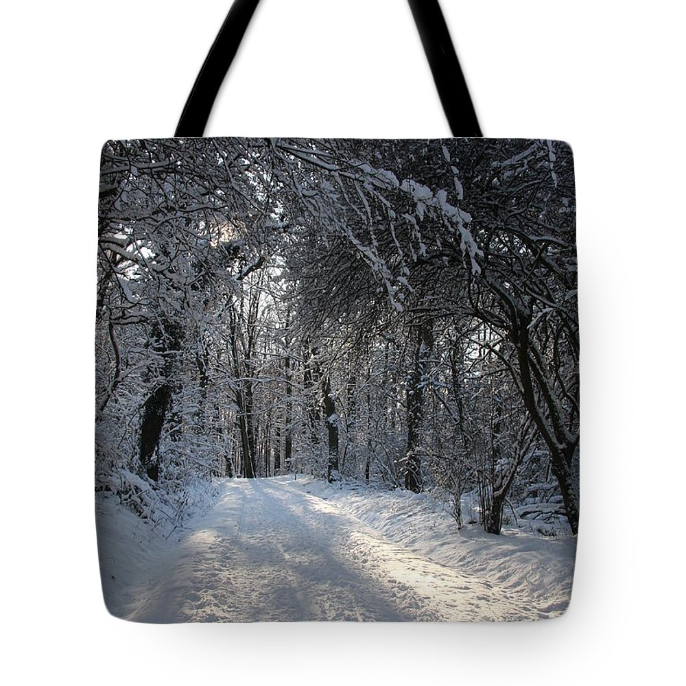 Winter Tote Bag featuring the photograph Walkway In Black And White by Christiane Schulze Art And Photography