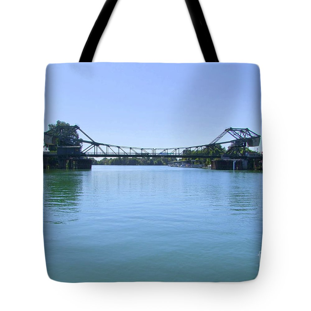 Walnut Grove Tote Bag featuring the photograph Walnut Grove Bascule Bridge by Mary Deal