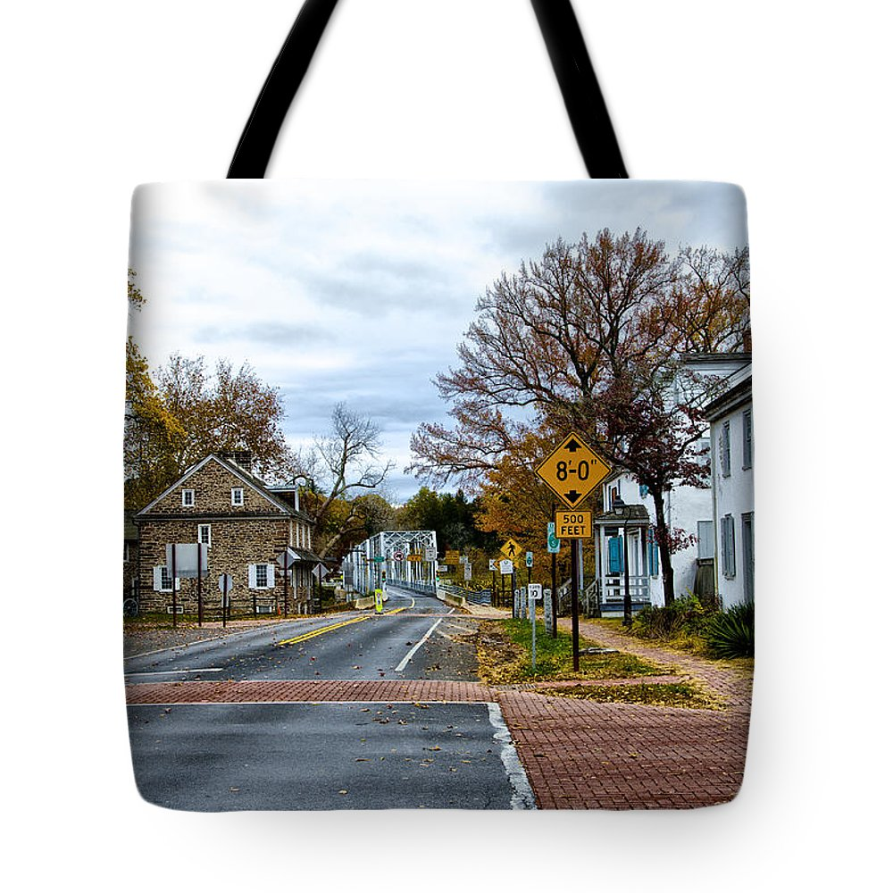 Washington's Tote Bag featuring the photograph Washington's Crossing In The Fall by Bill Cannon
