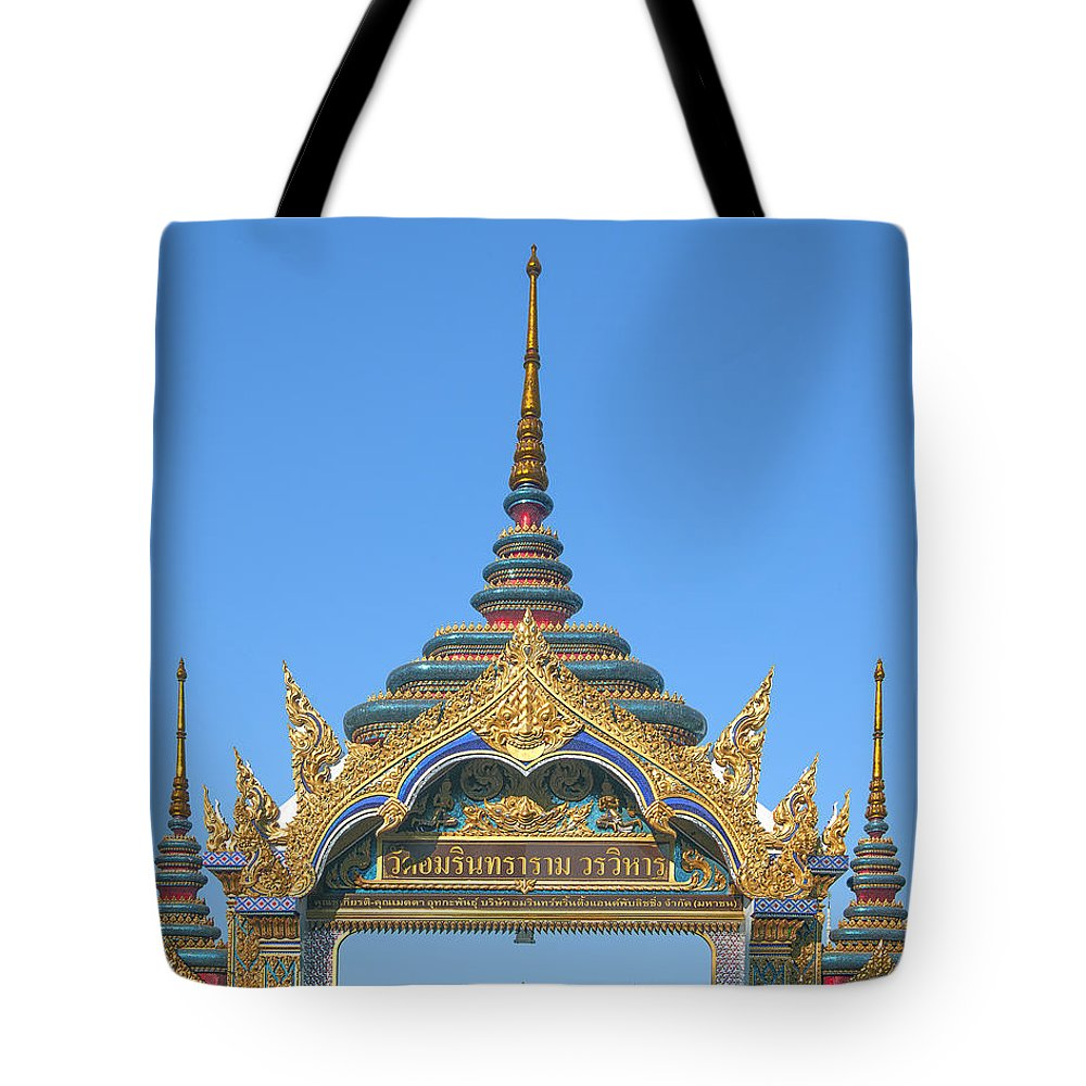 Bangkok Tote Bag featuring the photograph Wat Amarintaram Temple Gate Dthb1524 by Gerry Gantt