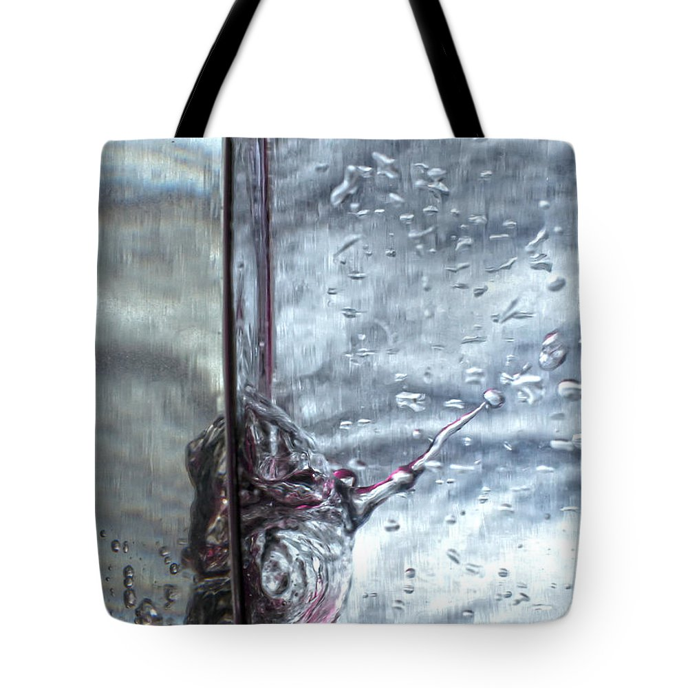 Abstract Tote Bag featuring the photograph Water Drops Abstract2 by Stelios Kleanthous