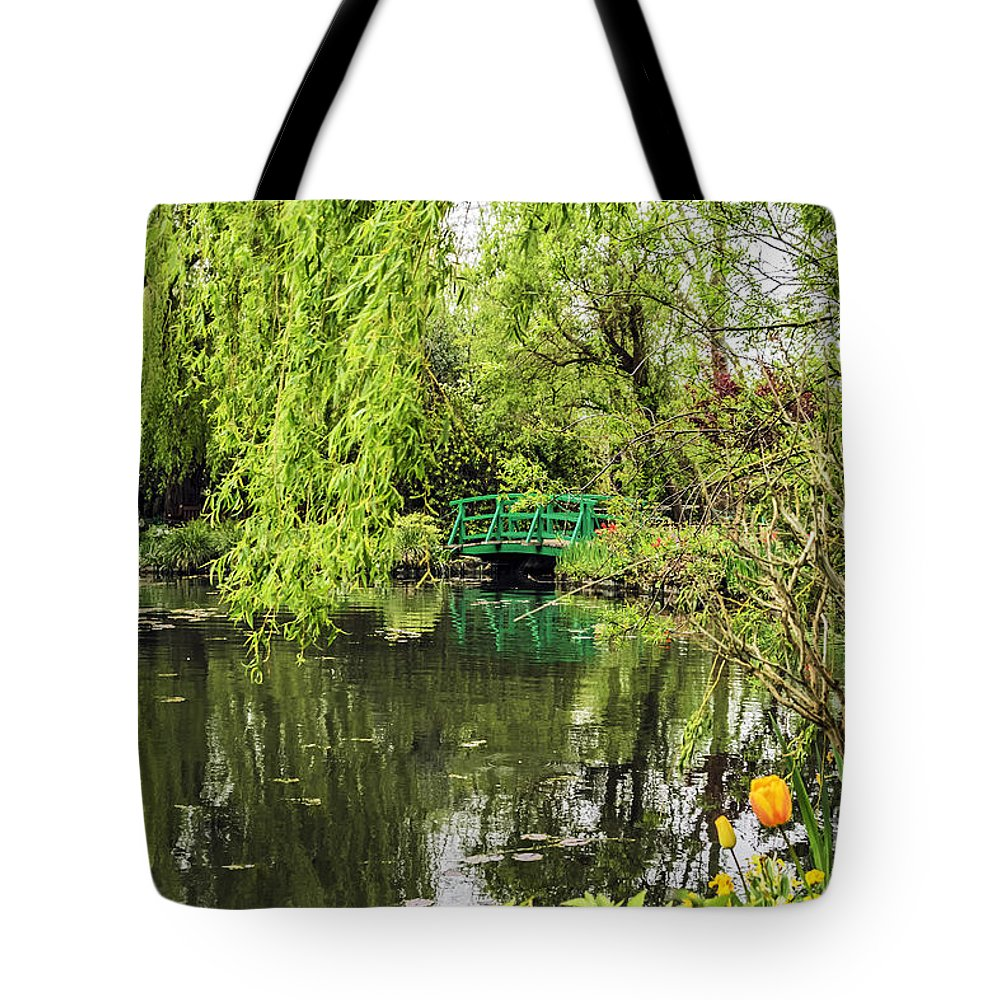 Travel Tote Bag featuring the photograph Water Garden Wonder by Elvis Vaughn