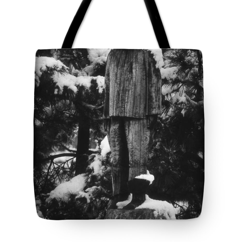 Scenic Tours Tote Bag featuring the photograph Waterman's Statue by Skip Willits
