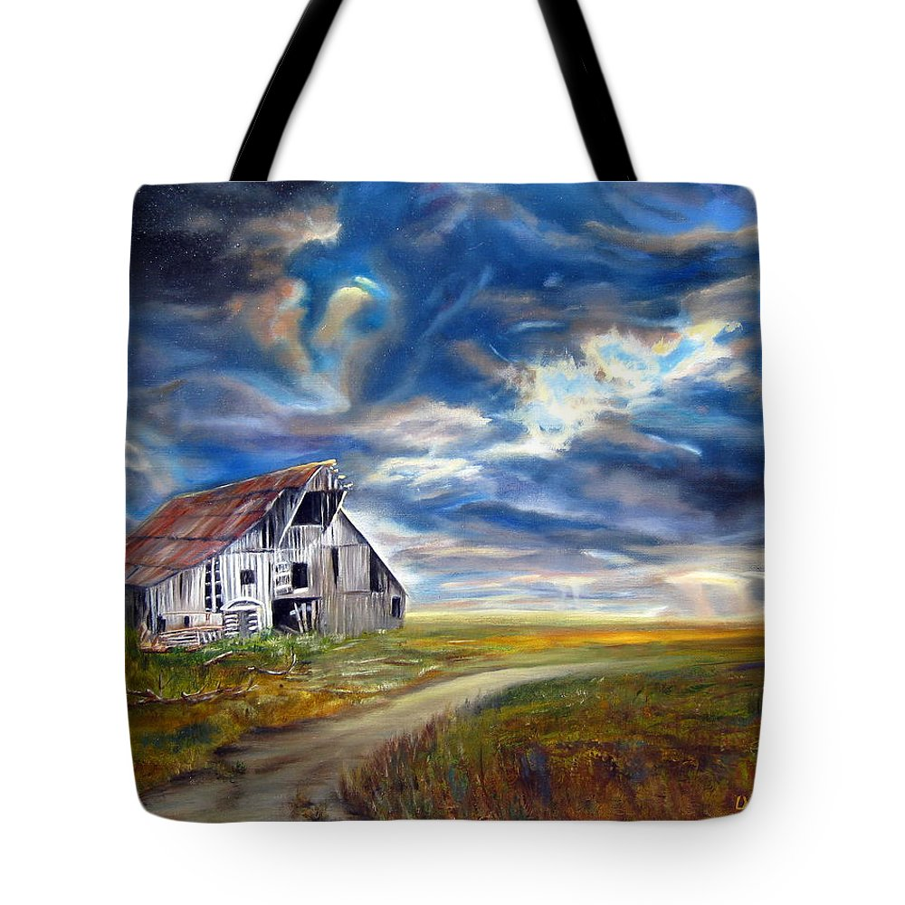 Barn Tote Bag featuring the painting Weathered Barn by LaVonne Hand