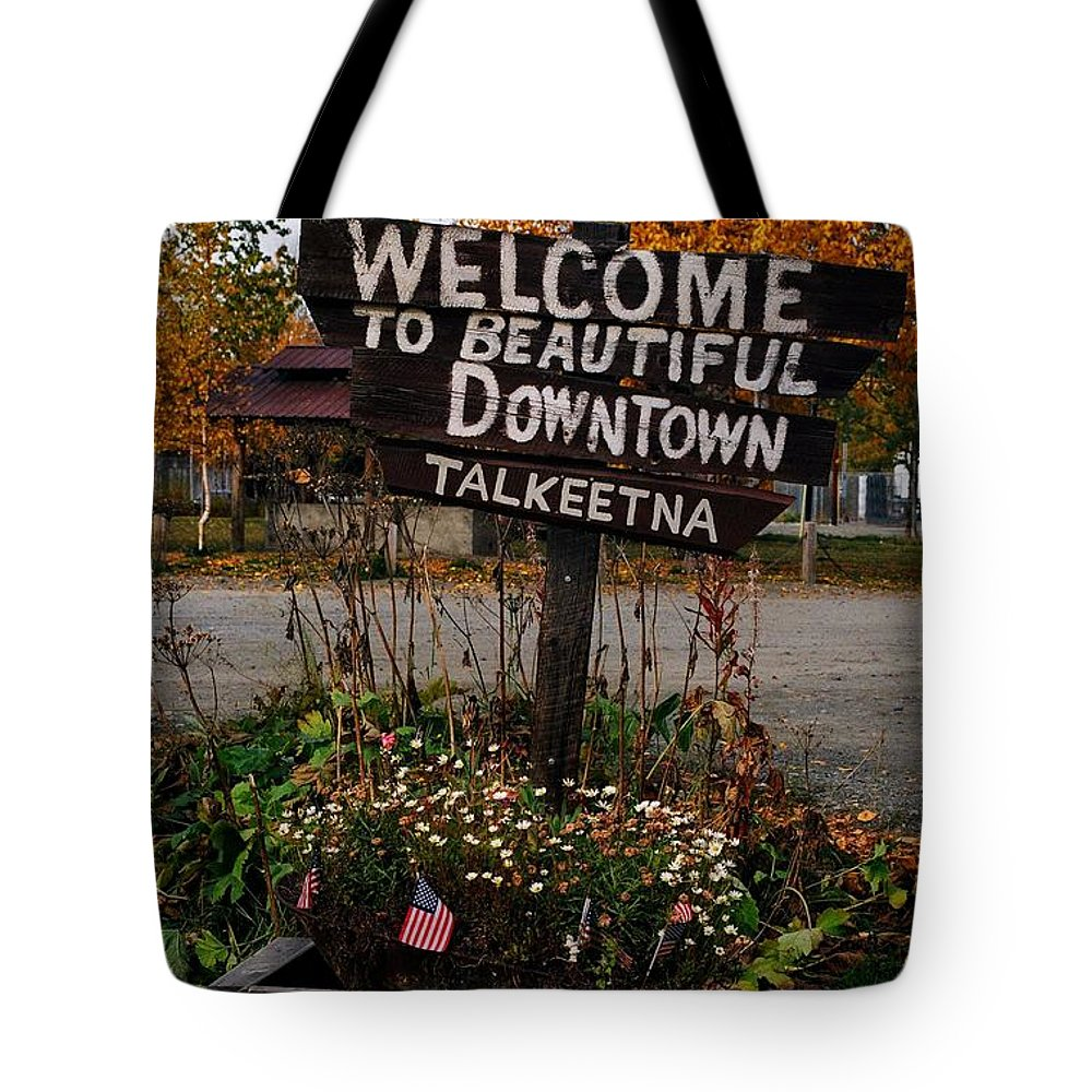 North America Tote Bag featuring the photograph Welcome ... by Juergen Weiss