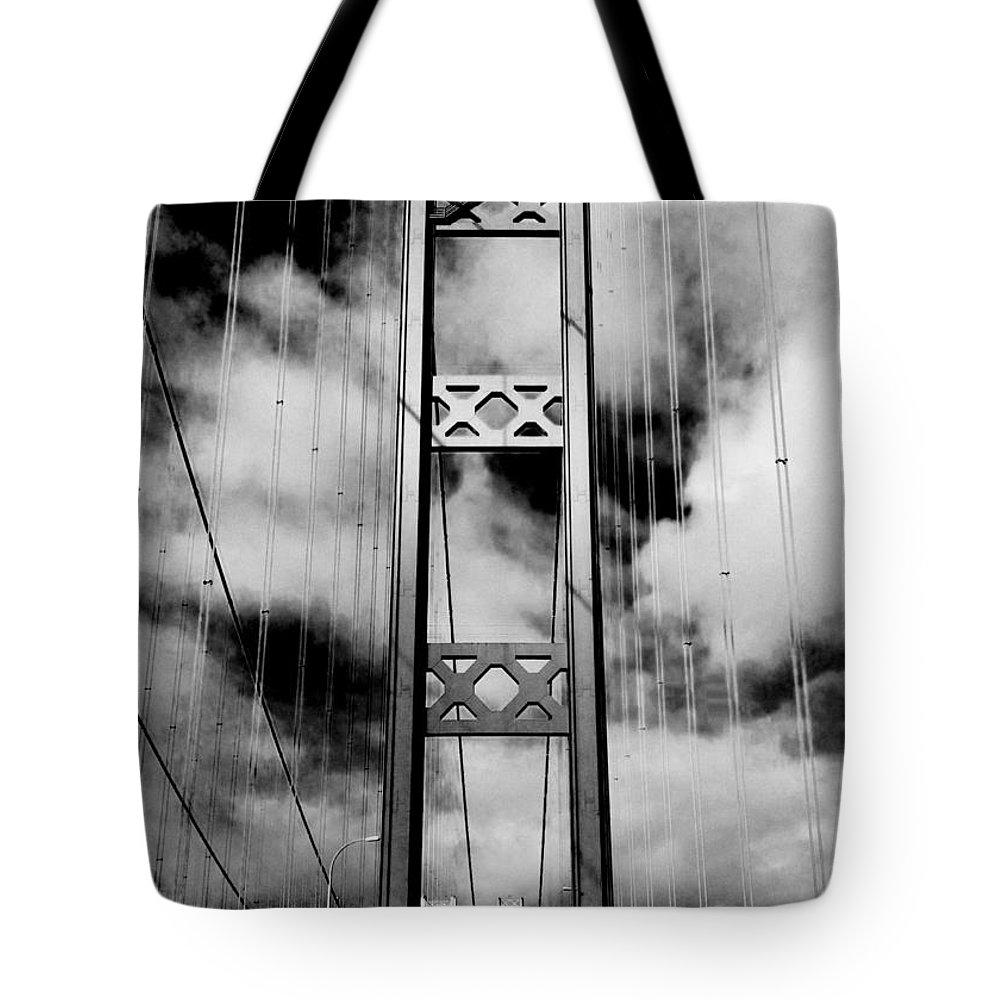 Tacoma Narrows Tote Bag featuring the photograph Westbound by Benjamin Yeager