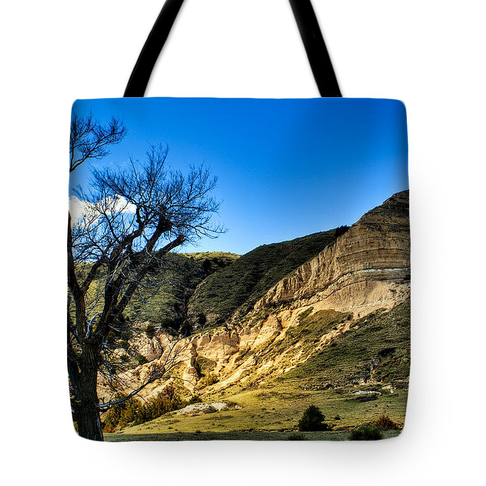 Western Tote Bag featuring the photograph Western Nebraska by Roger Passman