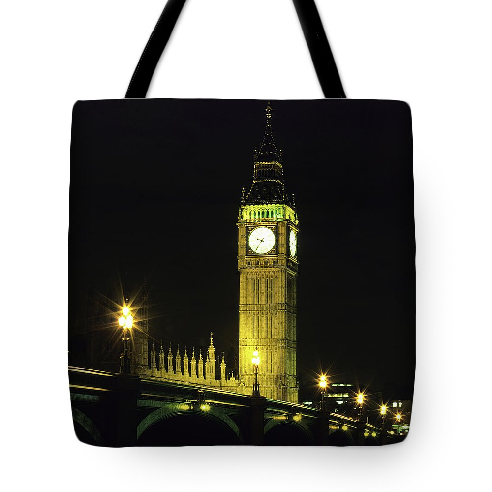 Gothic Style Tote Bag featuring the photograph Westminster Bridge And Big Ben At by Hisham Ibrahim