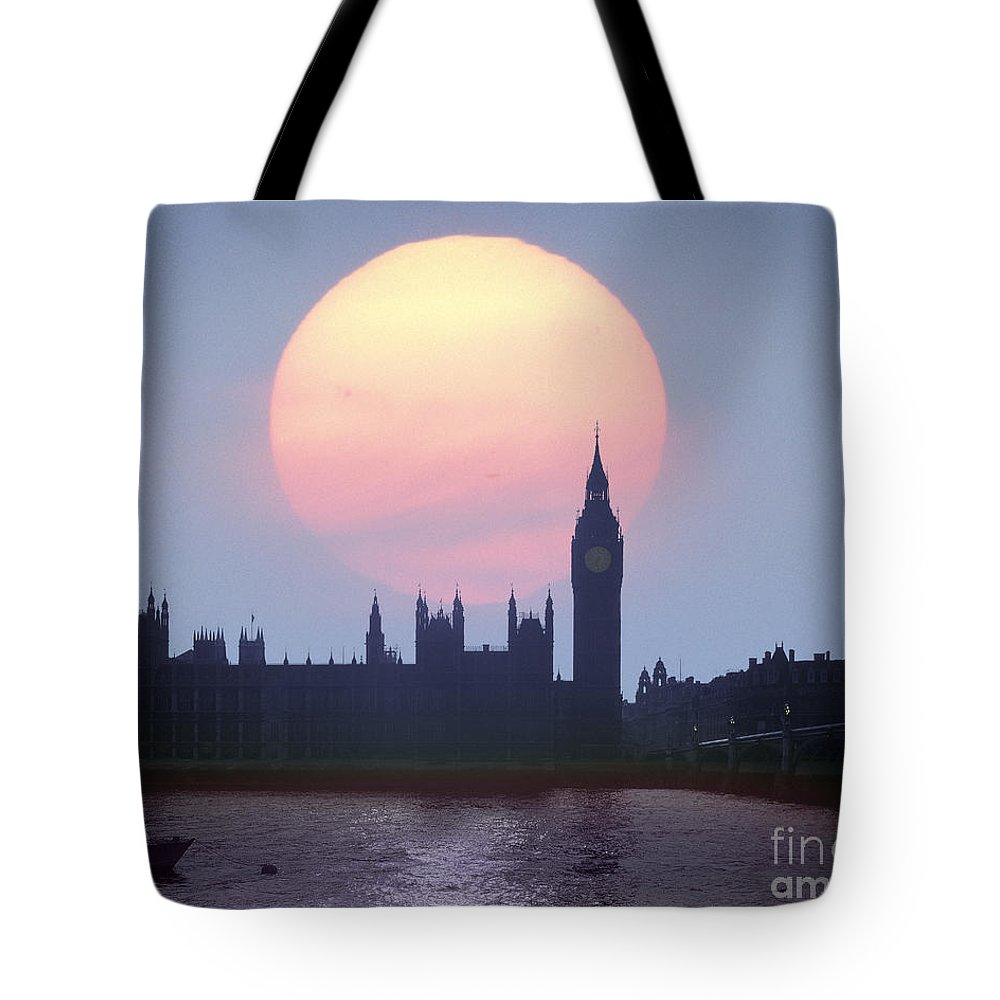Sunset Tote Bag featuring the photograph Westminster Hour by Edmund Nagele
