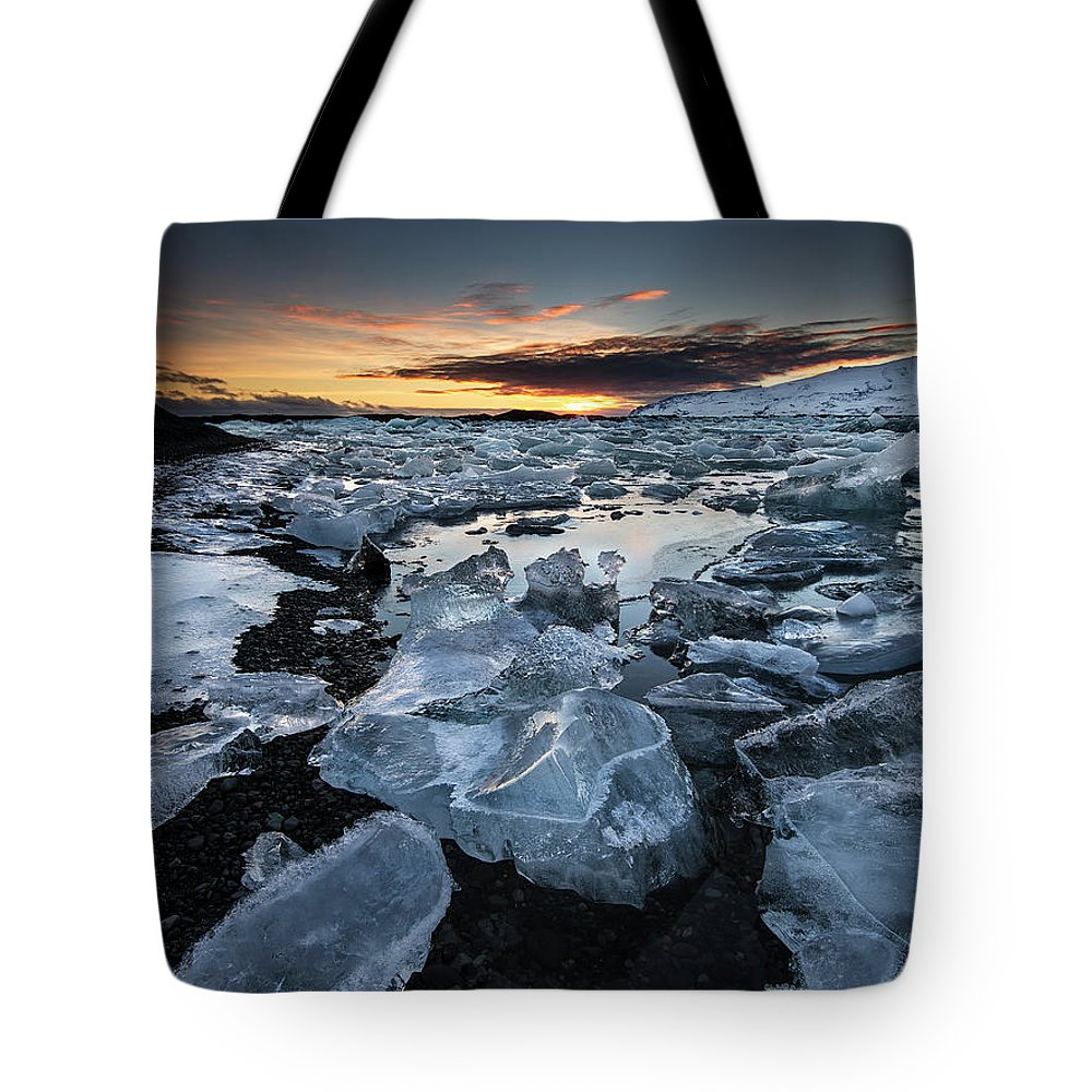 Scenics Tote Bag featuring the photograph When The Sun Says ... Goodbye by Cresende