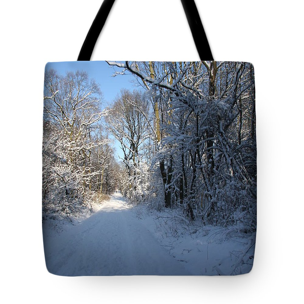 Winter Tote Bag featuring the photograph White And Blue by Christiane Schulze Art And Photography