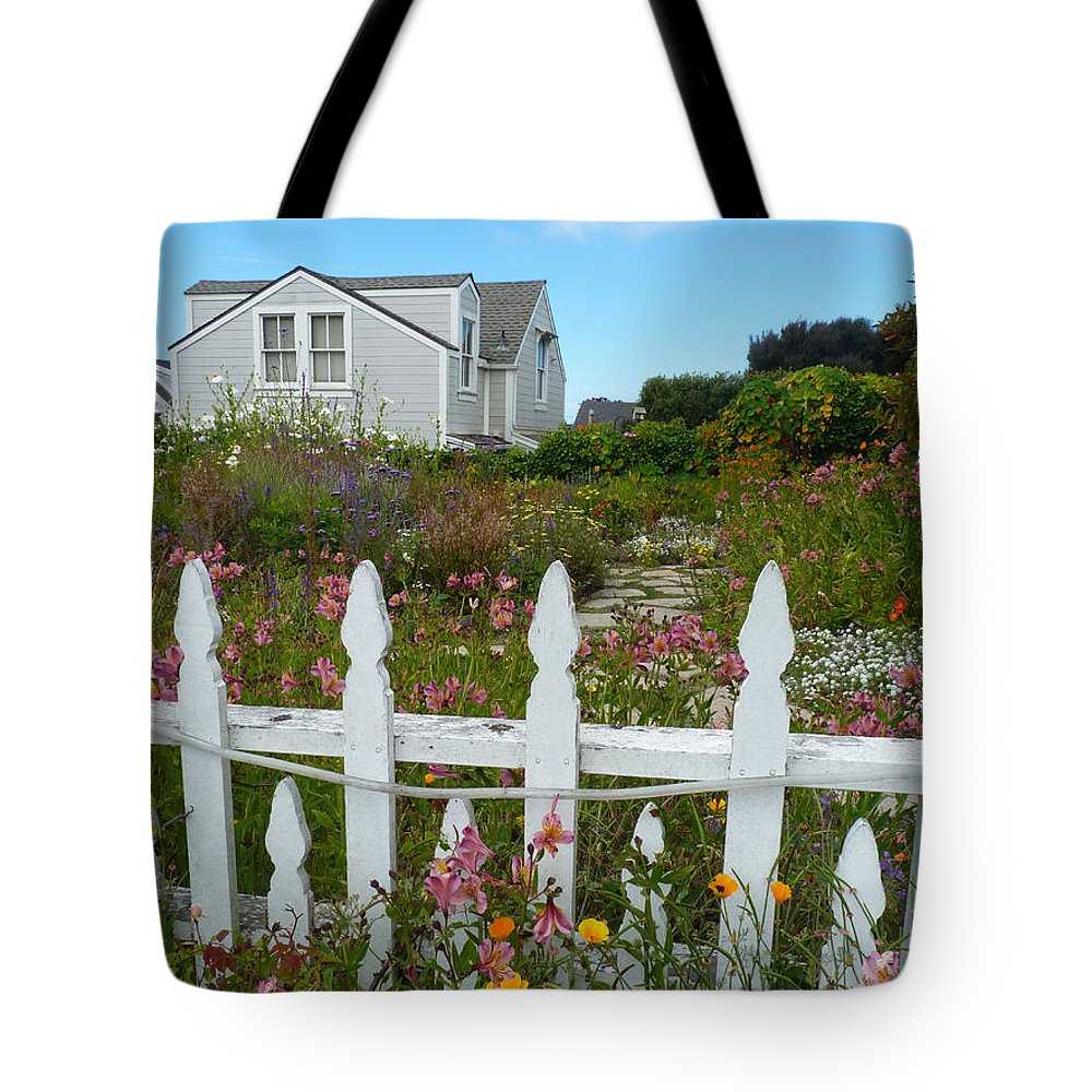 Picket Fence Tote Bag featuring the photograph White Picket Fence In Mendocino by Kris Hiemstra