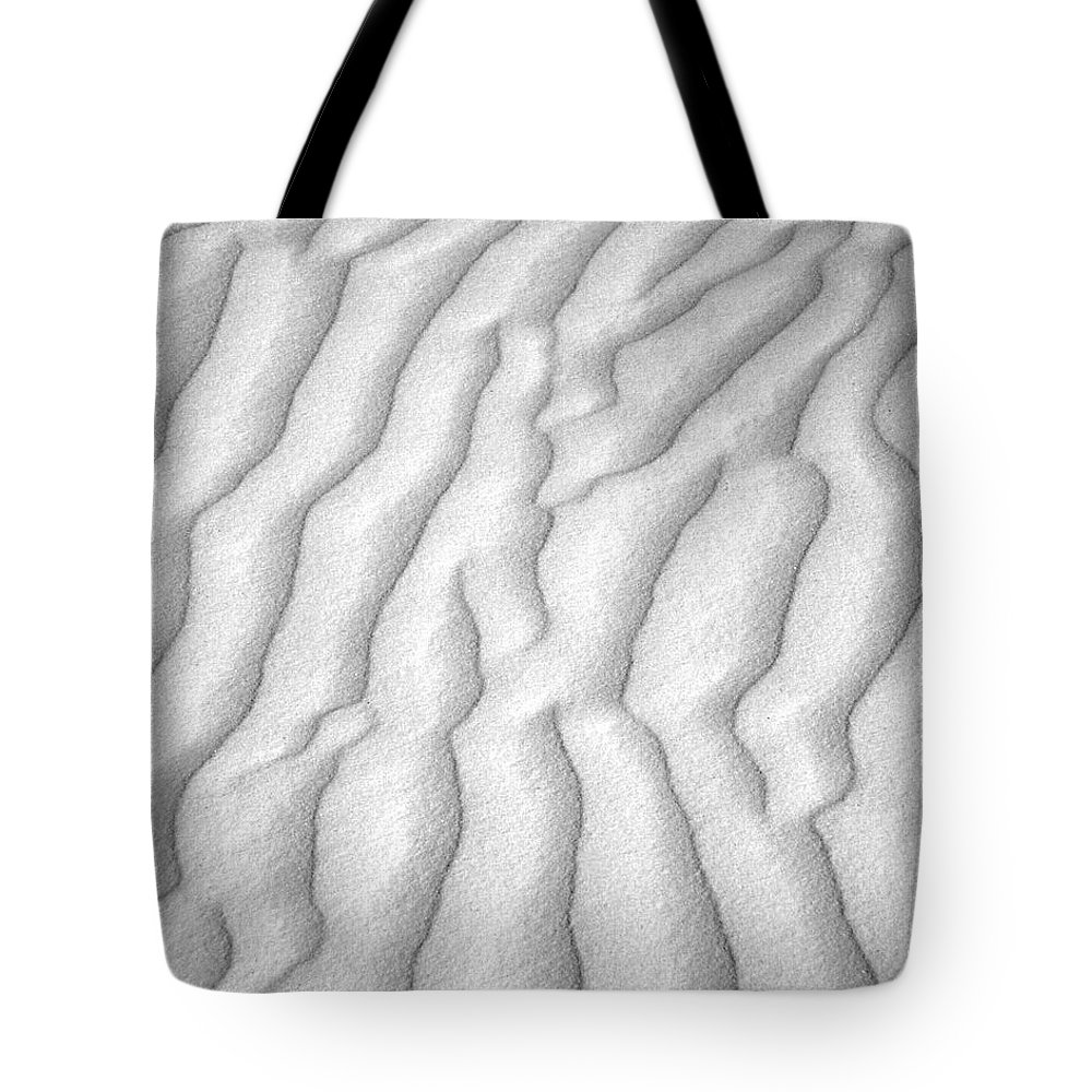 B&w Tote Bag featuring the photograph White Sands 10 by Jeff Brunton