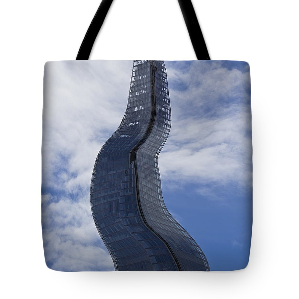 Shard Tote Bag featuring the photograph Windy Shard by David Pyatt