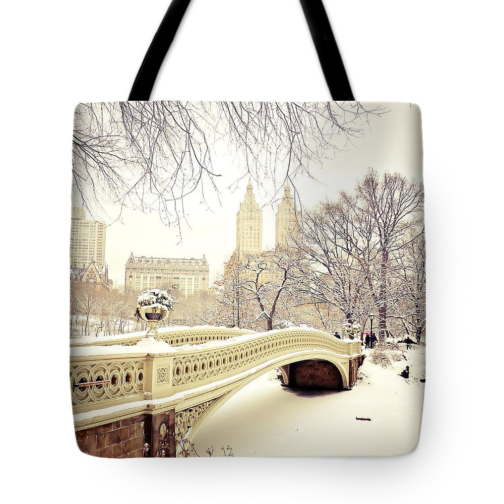 New York Snow Photographs Tote Bags