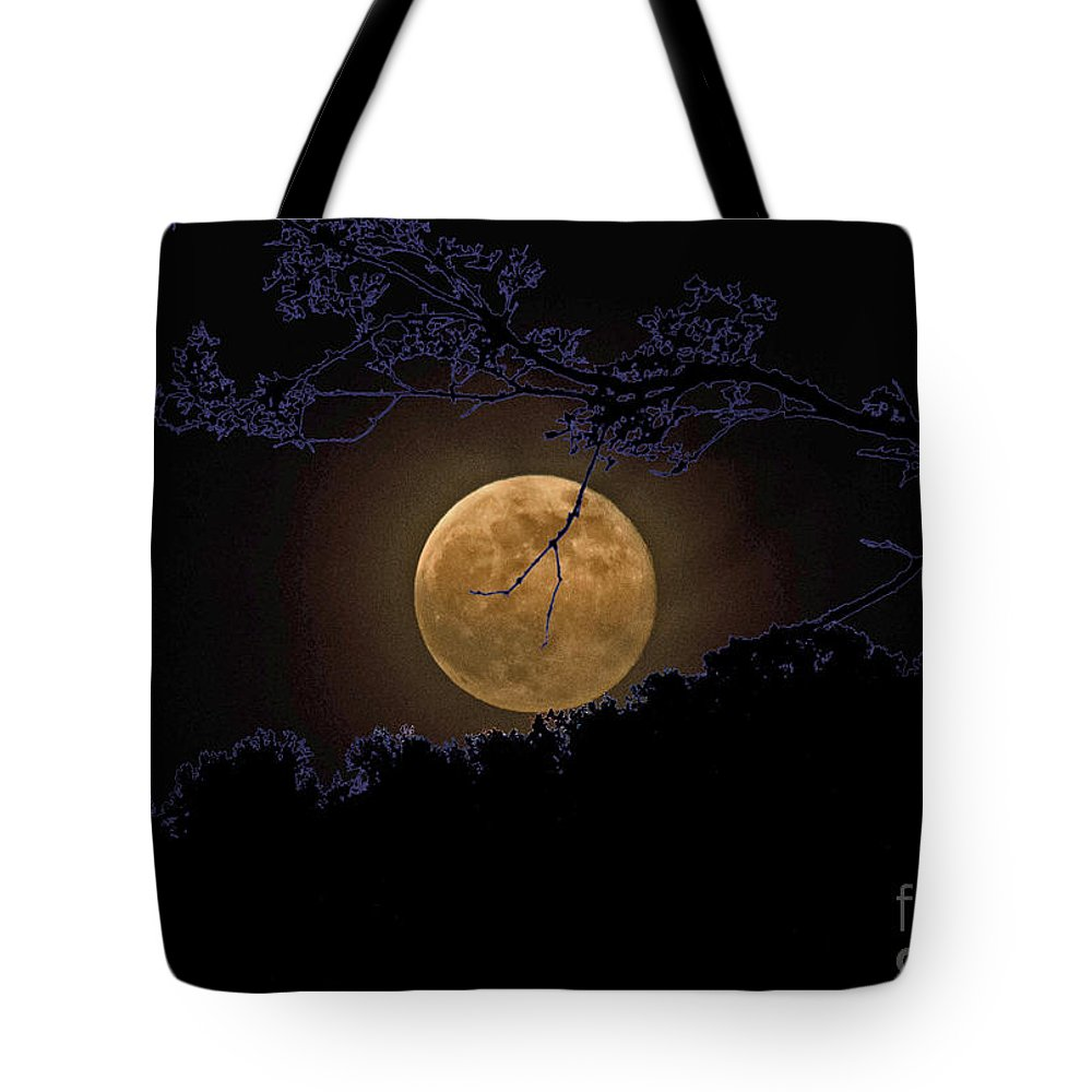 Moon Tote Bag featuring the photograph Wolfbane Moon by Paul Mashburn