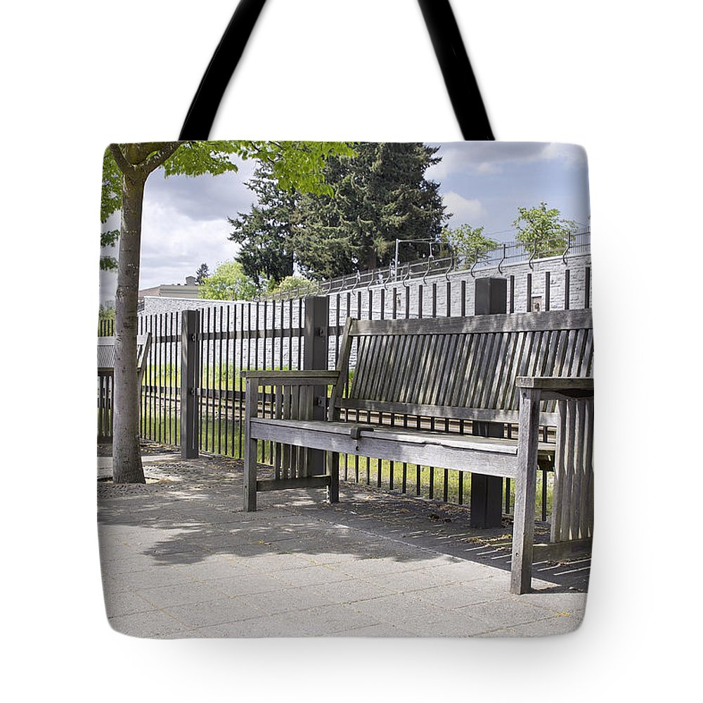 Wooden Tote Bag featuring the photograph Wooden Park Benches by Jit Lim