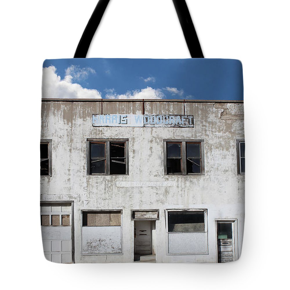 Woodgate Building Tote Bag featuring the photograph Woodgate Building by Sylvia Thornton
