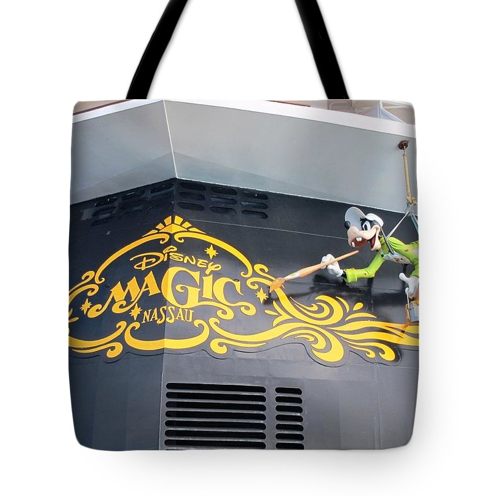 Cruise Ship Tote Bag featuring the photograph Working Hard by Teresa Ruiz