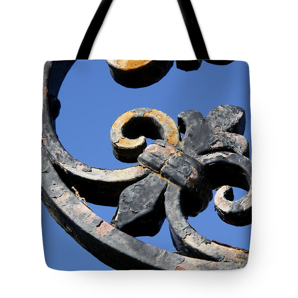 Fence Tote Bag featuring the photograph Wrought Iron by J Havnen