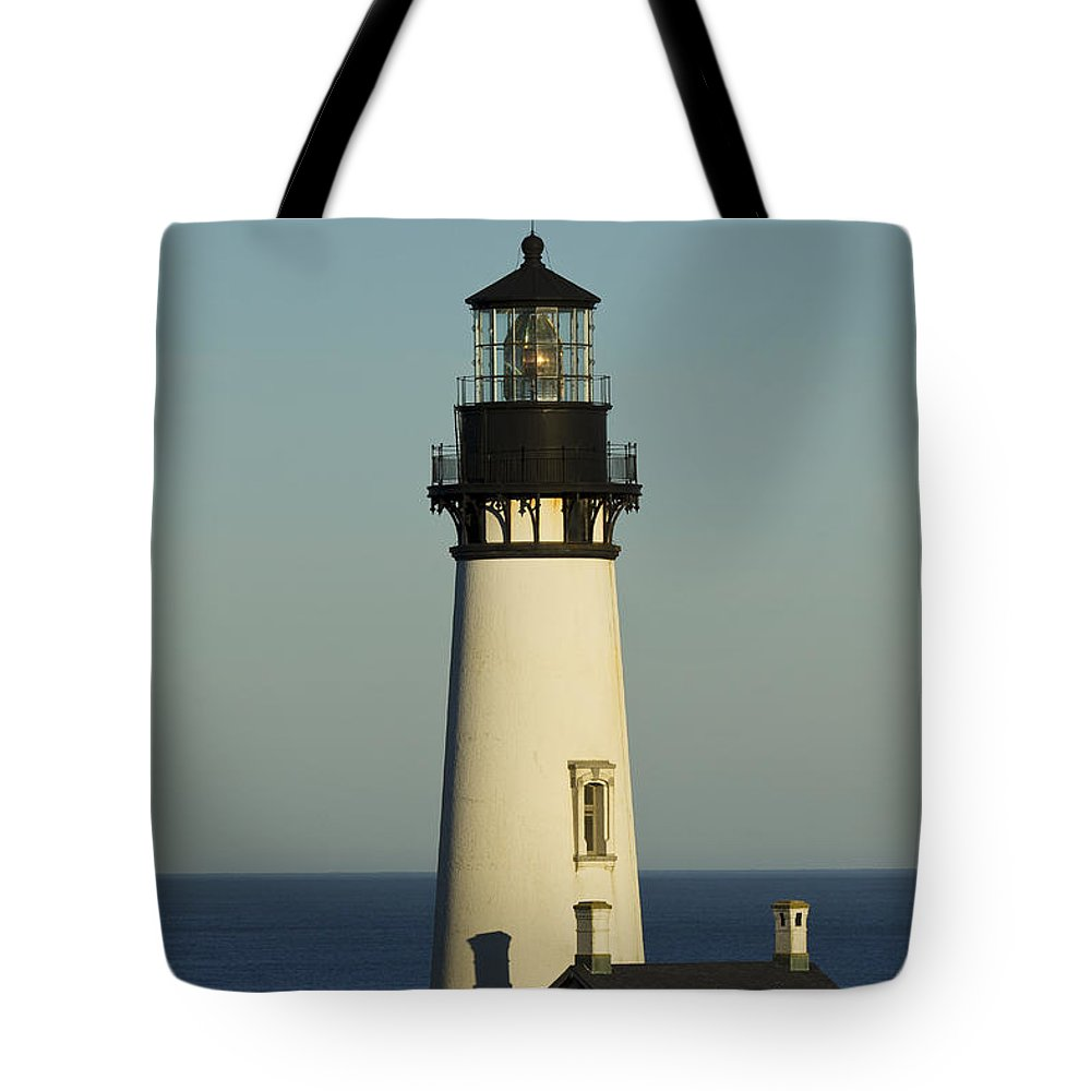 Yaquina Tote Bag featuring the photograph Yaquina Head Lighthouse 4 B by John Brueske