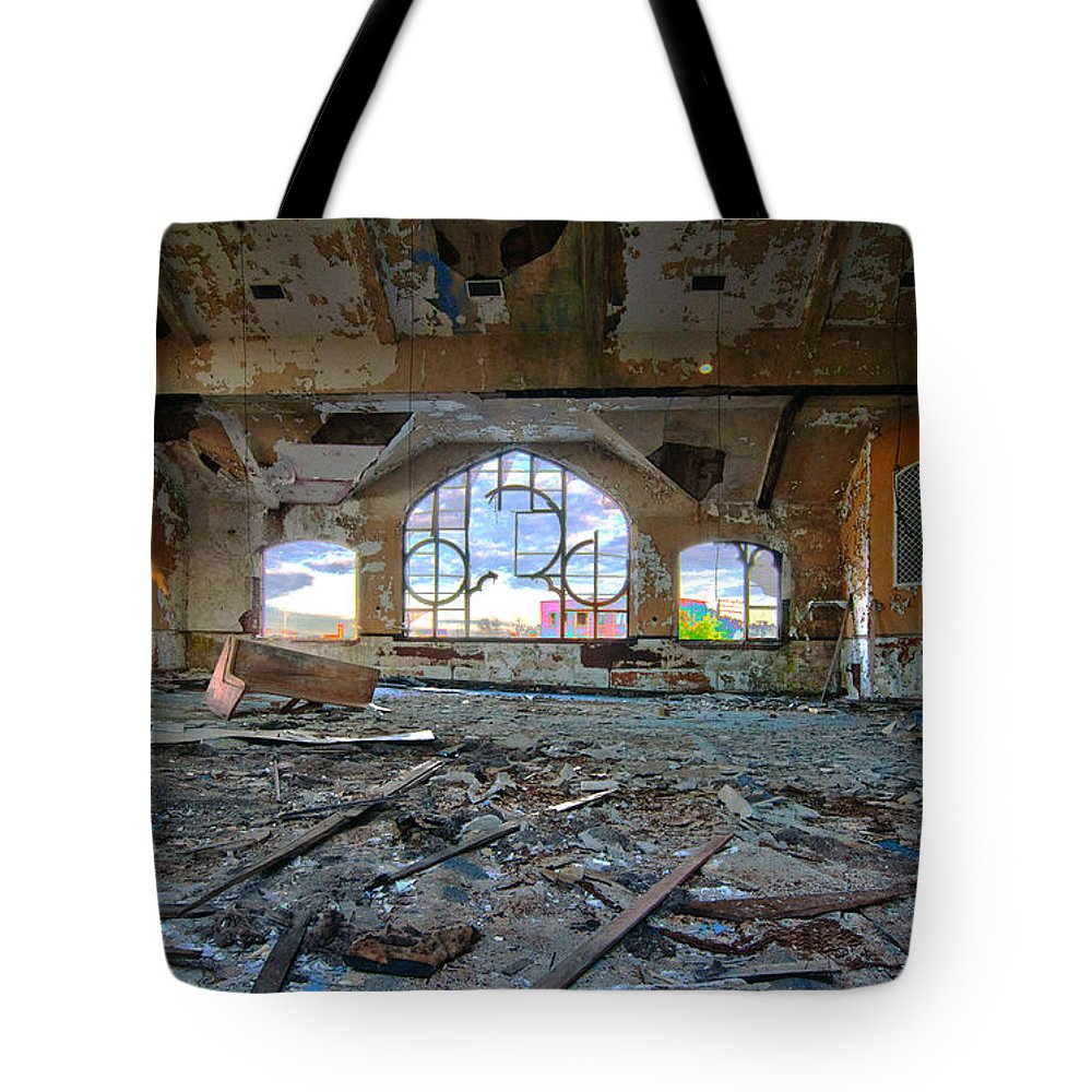 1917 Tote Bag featuring the photograph Years Of Abuse #1 by Paul Cannon