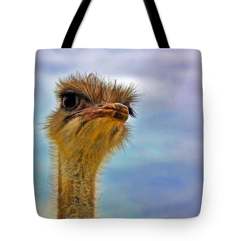 Closeup Tote Bag featuring the photograph You Talkin To Me by Gary Holmes