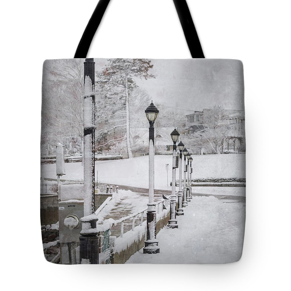 Bar Harbor Tote Bag featuring the photograph You'll Never Walk Alone by Evelina Kremsdorf