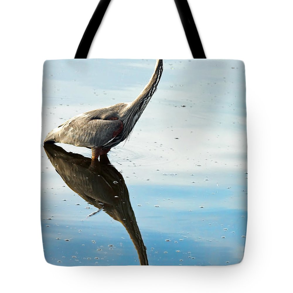 Heron Tote Bag featuring the photograph Great Blue Heron by Rudy Umans